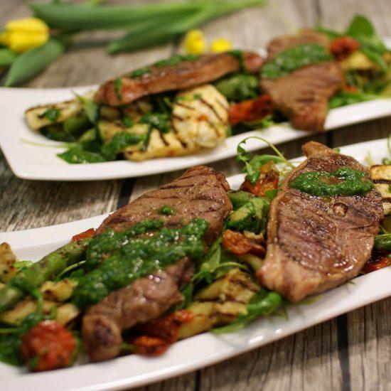 Karitsan parikyljykset Välimeren salaattipedillä