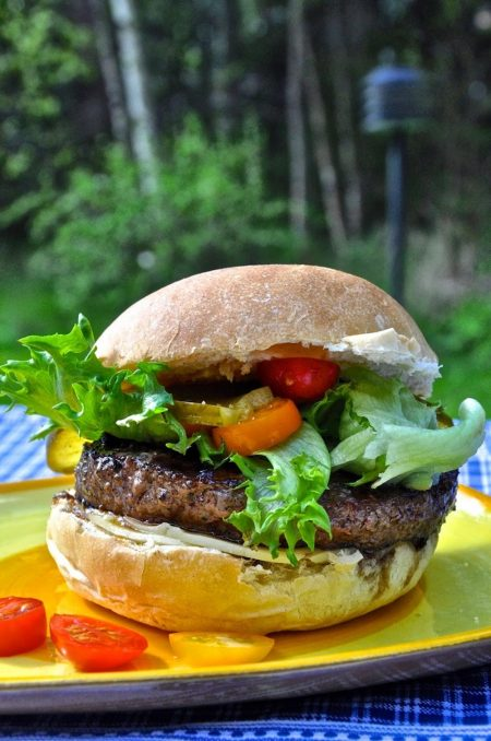 Täydelliset hampurilaisämpylät Black Angus -pihveille 2